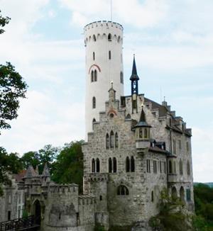ルパン三世カリオストロの城の舞台モデルや街聖地は?ゴート札事件も調べてみた